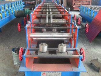 C型钢压型设备